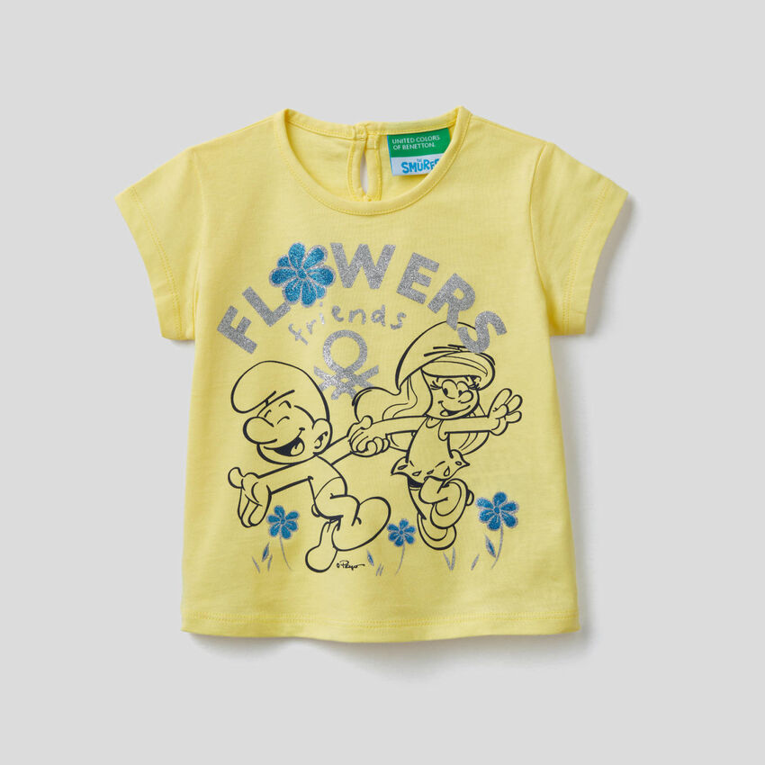 Yellow t-shirt with The Smurfs print
