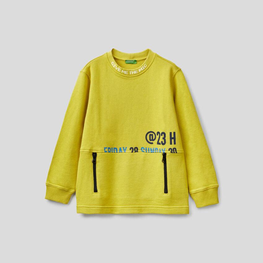 Sweatshirt in 100% cotton with zip-up pocket