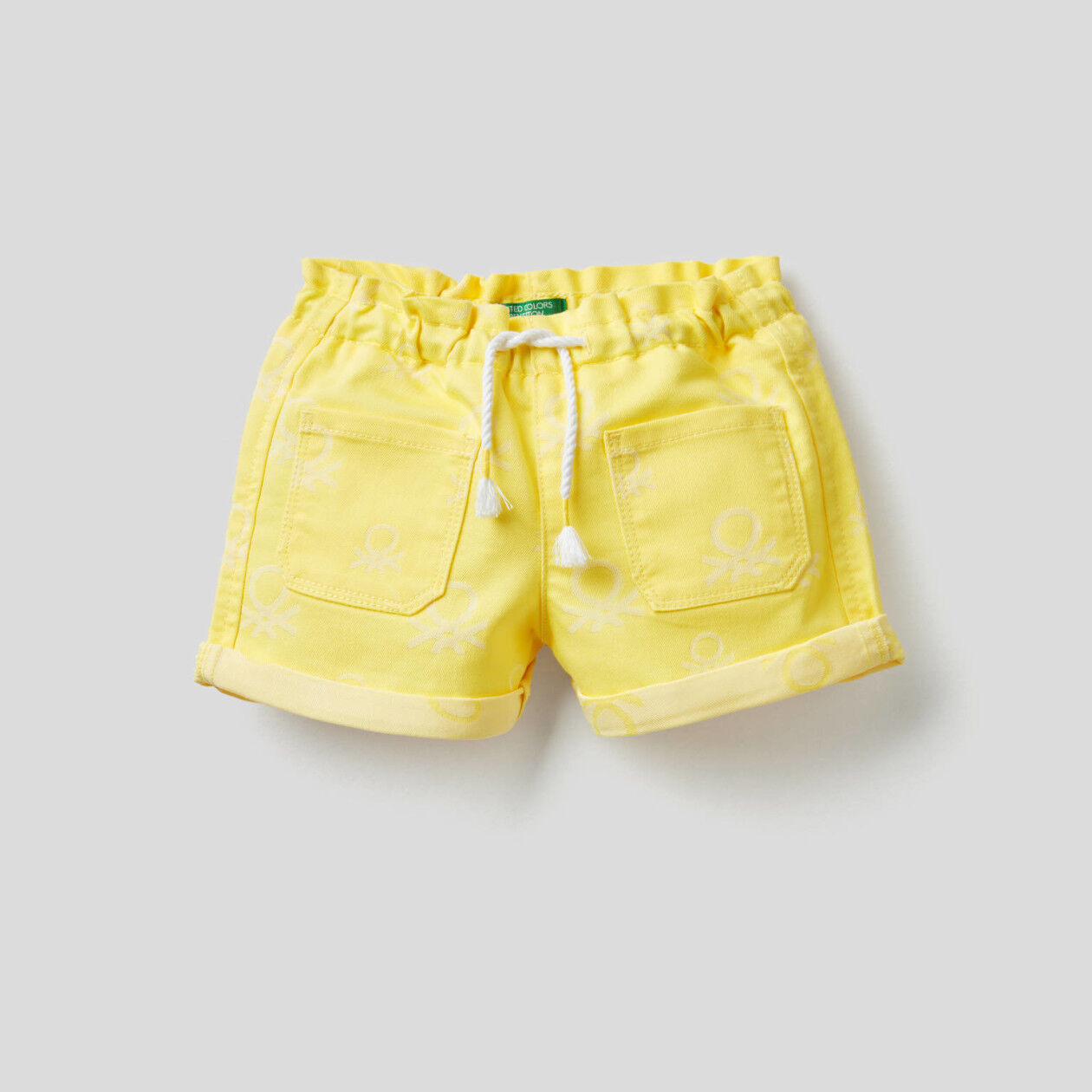 Shorts in logoed denim