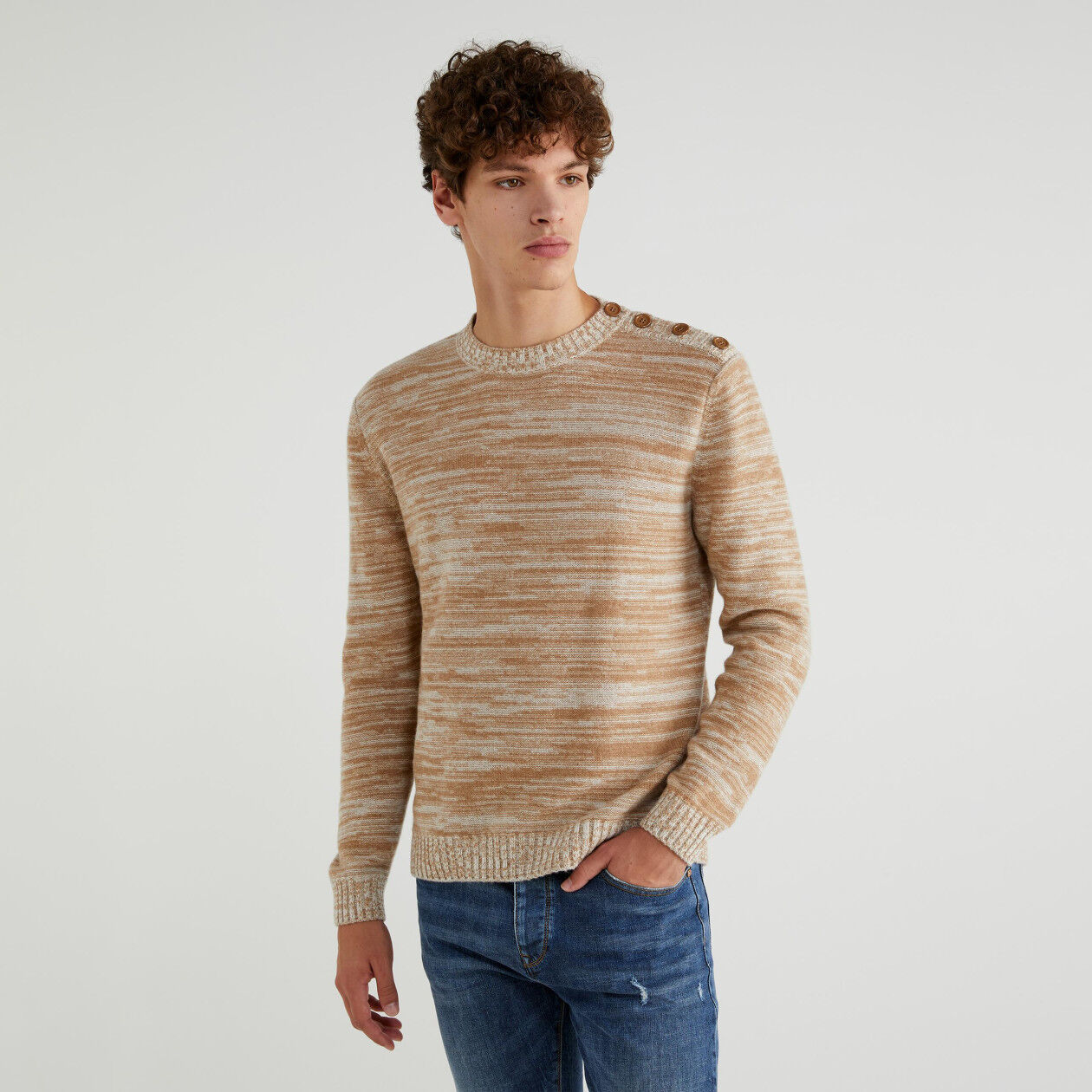 Sweater with buttons