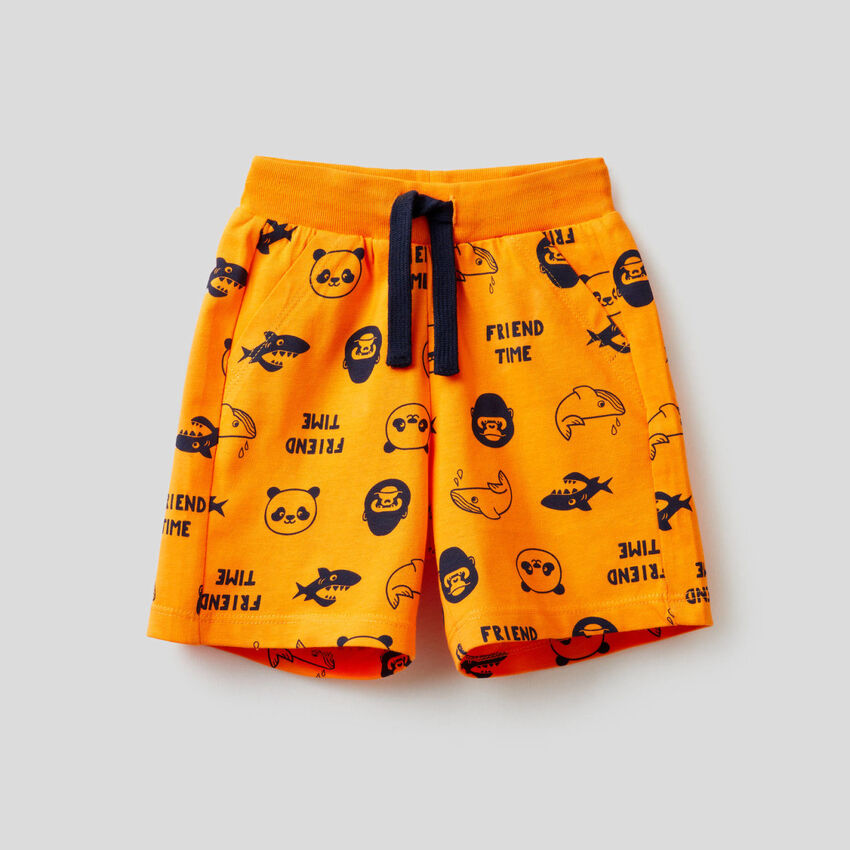 Printed shorts in 100% cotton
