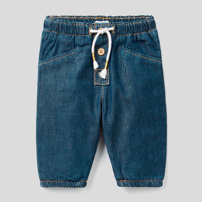 Light denim trousers