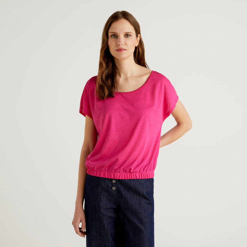 Flowy blouse with round neck
