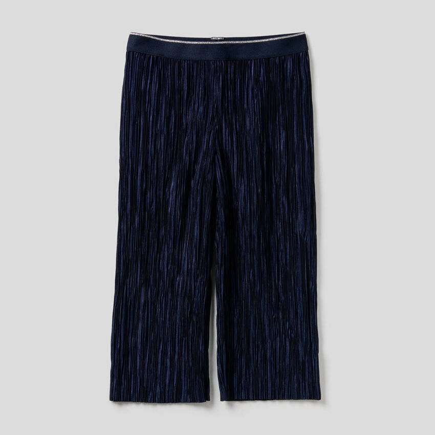 Long pleated trousers