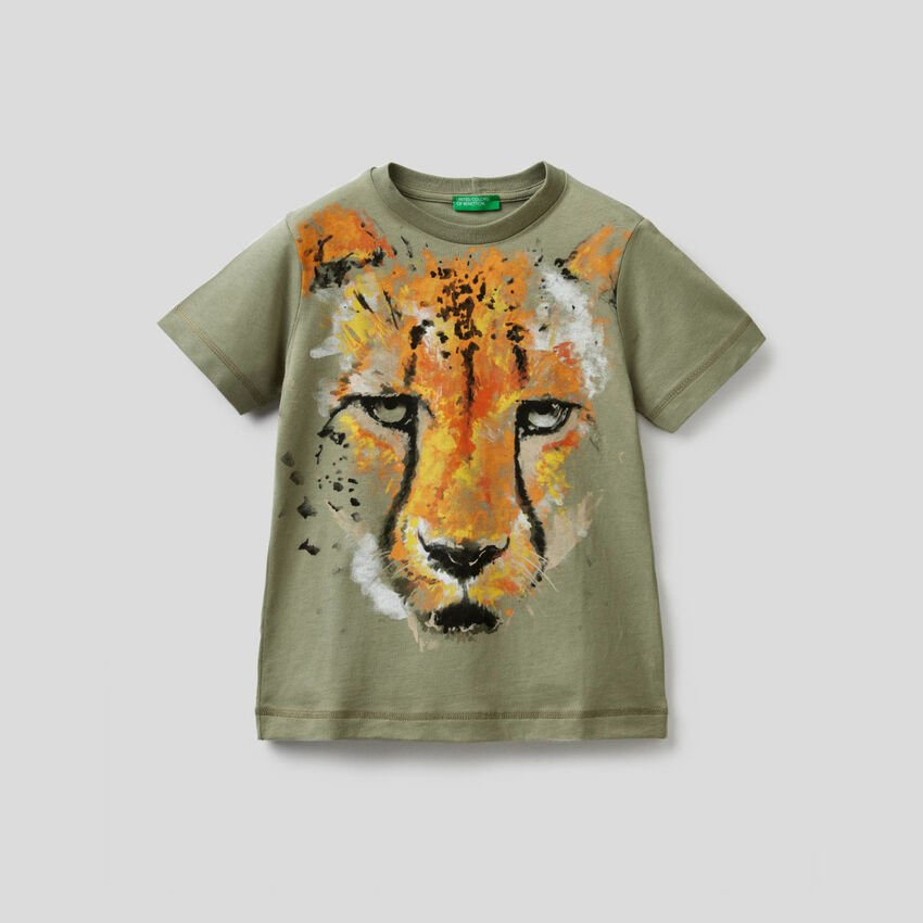 Military green cheetah print t-shirt